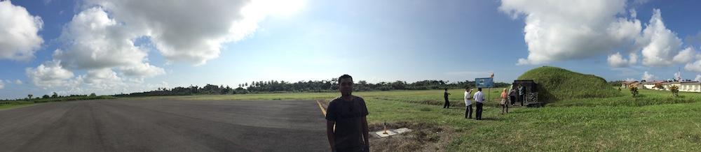 Bandar Udara Kao yang berhadapan dengan arah timur. Kredit: Avivah Yamani