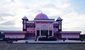Masjid di Maba. Kredit: Ratna Satyaningsih