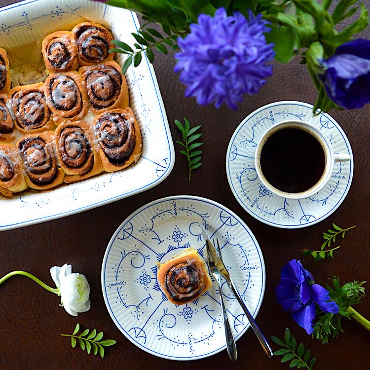 Cinnamon Rolls Recipe / Рулца с Канела & Портокалова Глазура рецепта