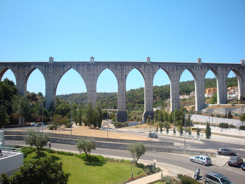 Акведук_Агуаш-Либриш_в_Лиссабоне