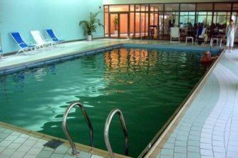 5. zakritii bassein s lechebnoi solenoi vodoi