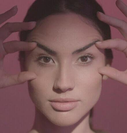 ¡Entrena tu rostro con yoga facial!