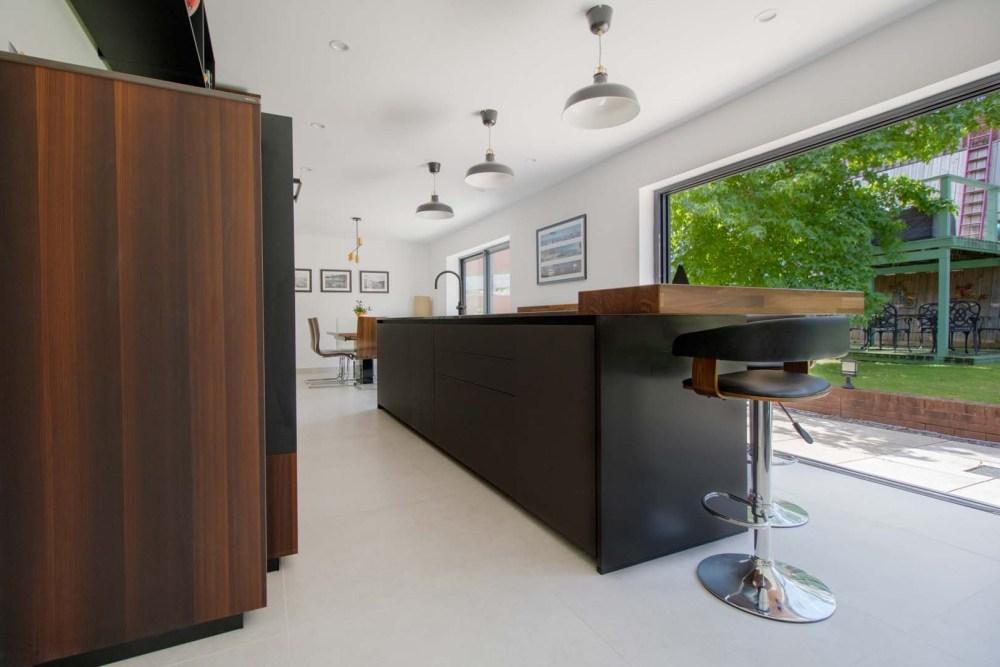 german-kitchens-by-artisan-cardiff-portfolio-next125-fenix (3)