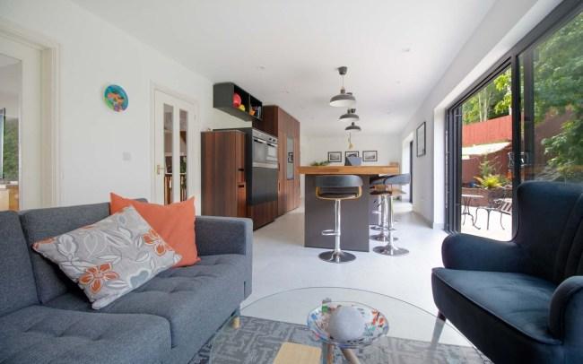 german-kitchens-by-artisan-cardiff-portfolio-next125-fenix (4)