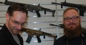 Marc Schieferdecker (GRA) und Lars Brüggemann (EL BE tac) auf der IWA 2016.