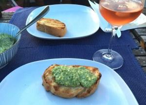 Aufstrich hausgemacht geröstetes Brot Petersilie Mandeln Foodblog German Abendbrot