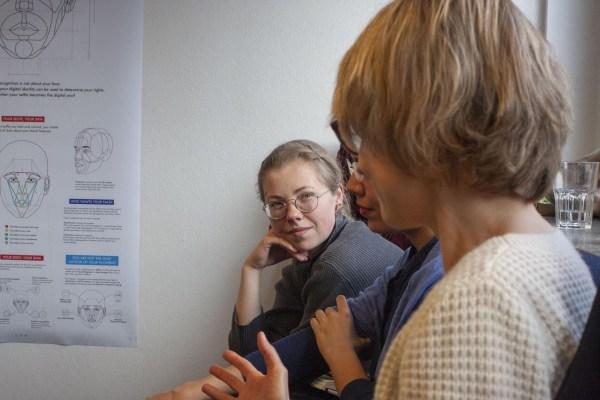 Hilfe gegen die digitale Überforderung: The Glassroom Experience