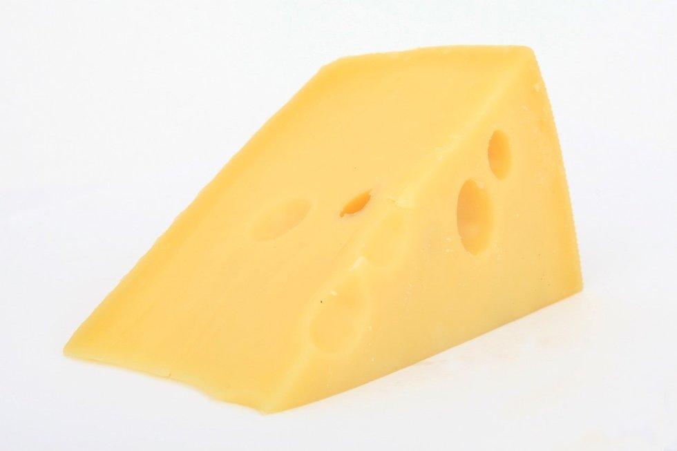 Can German Shepherds eat cheese
