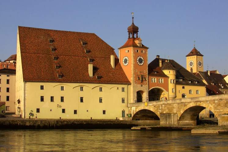 Salzstadel Regensburg and the Steinerne Brucke