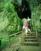 Gerolstein walkers in the Buchenlochhöhle in the Eifel