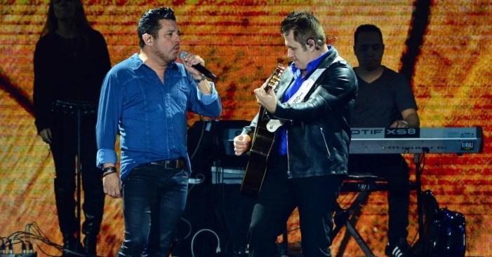 Bruno, Marrone e Gusttavo Lima fazem live (Foto: Reprodução)