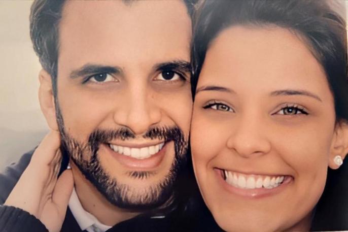Rogério Fernandes, marido da ex-BBB Ivy Moraes sugere pagar dívida fazendo amor (Foto: Reprodução)