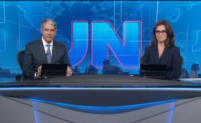 William Bonner e Renata Vasconcellos dividem a bancada do Jornal Nacional há pelo menos 4 anos. (Foto: Reprodução)