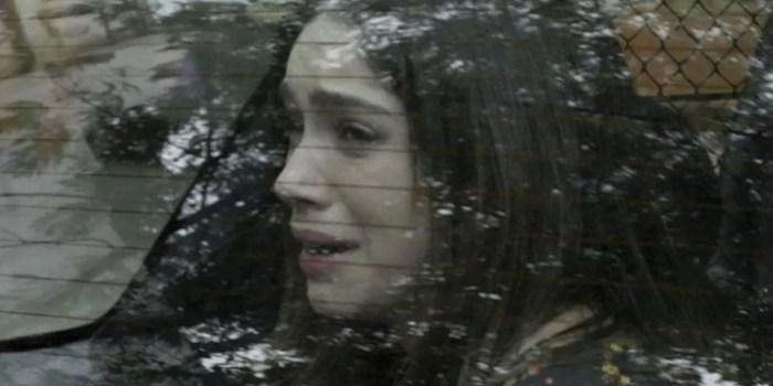 Shirlei (Sabrina Petraglia) acaba detida pela polícia após armadilha em Haja Coração (Foto: Reprodução/TV Globo)