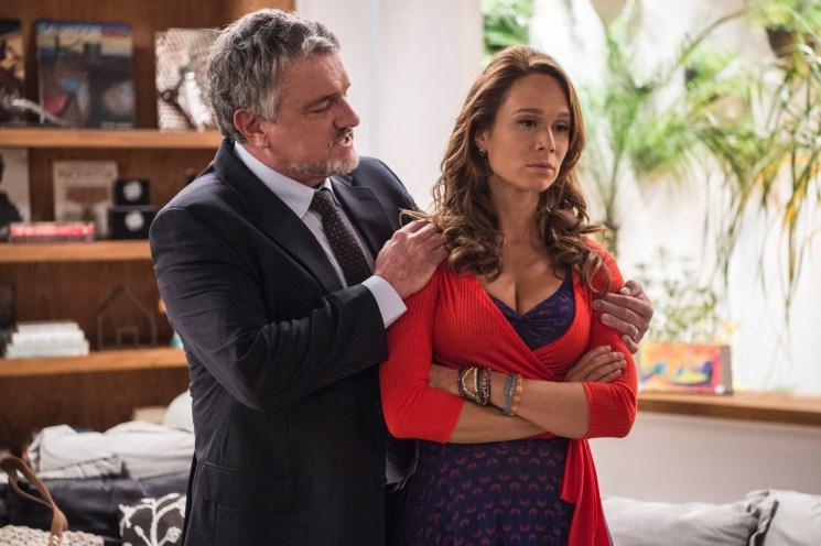 Tancinha (Mariana Ximenes) encontra seu pai desaparecido em Haja Coração (Foto: Inácio Moraes/TV Globo)