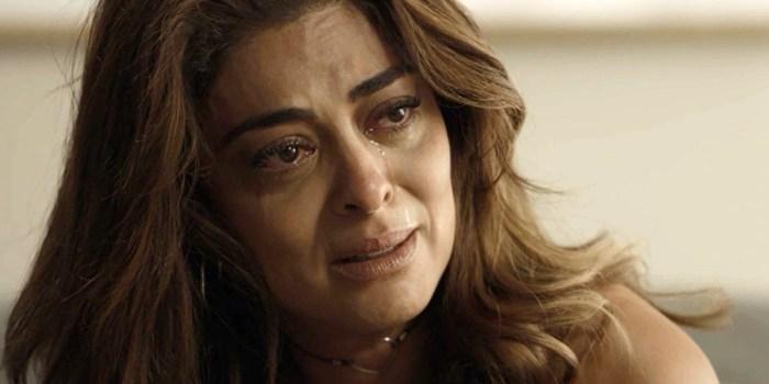 Bibi (Juliana Paes) perde tudo e fica na miséria em A Força do Querer (Foto: Reprodução/TV Globo)