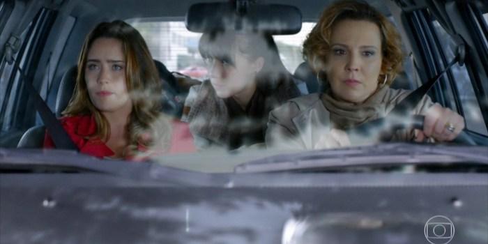 Ana (Fernanda Vasconcellos) e Eva (Ana Beatriz Nogueira) em cena de A Vida da Gente (Foto: Reprodução/TV Globo)