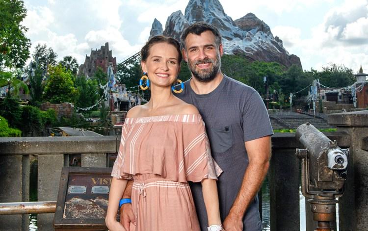 Fernanda Rodrigues ao lado do marido, Raoni Carneiro (Foto: Reprodução)