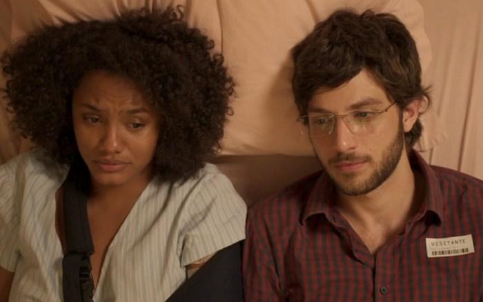 Camila (Jéssica Ellen) e Danilo (Chay Suede) (Foto: Reprodução)