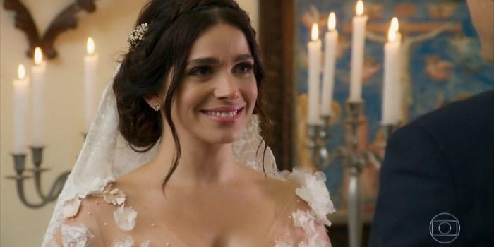 Sabrina Petraglia (Shirlei) em cena do penúltimo capítulo de Haja Coração, que teve sua maior audiência (Foto: Reprodução/TV Globo)