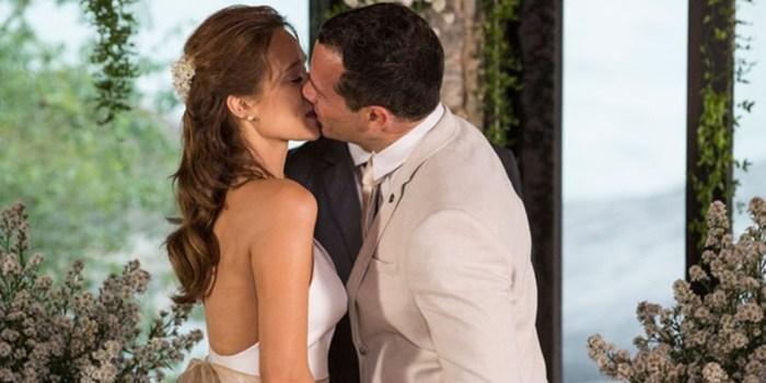 Tancinha (Mariana Ximenes) e Apolo (Malvino Salvador) se casam no final de Haja Coração (Foto: Felipe Monteiro/Globo)