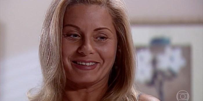 Helena (Vera Fischer) comemora cura da filha em Laços de Família (Foto: Reprodução/TV Globo)
