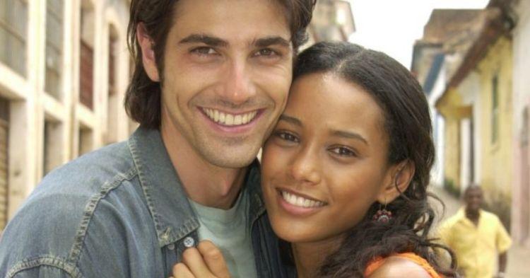 Novela Da Cor Do Pecado (2004) estreou no Viva com aviso de alerta estampado na tela (Foto: Reprodução)