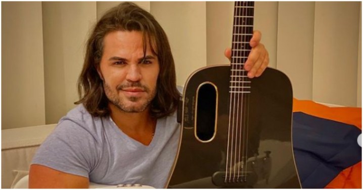 Eduardo Costa usou seu canal no YouTube para mandar indireta após barraco com Leonardo (Foto: Reprodução)