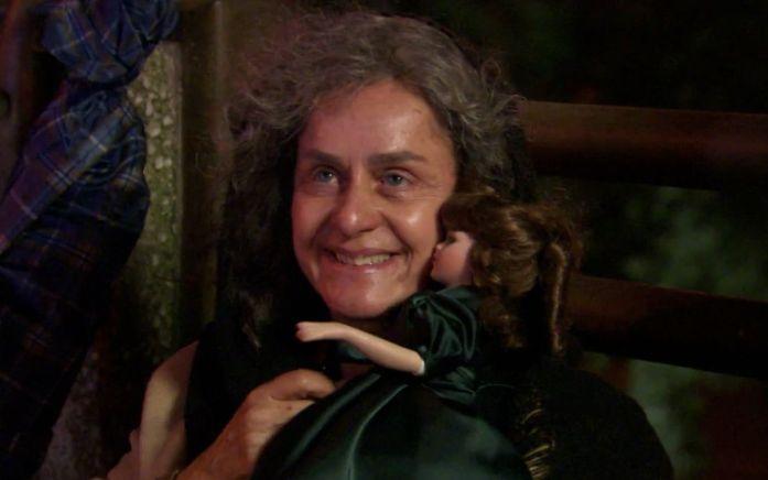 Cecília (Regina Braga) impressionará Ariclenes em Tititi (Foto: Reprodução)