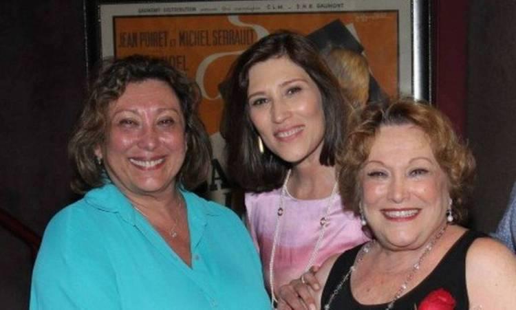 As filhas de Nicette Bruno, que não resistiu à Covid-19, Bárbara e Beth (Foto: Reprodução)
