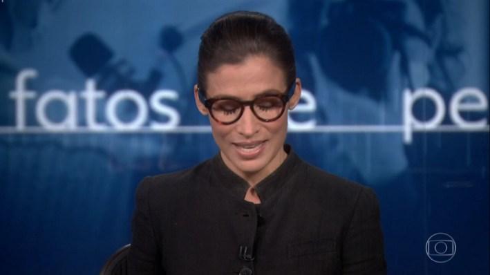 Renata Vasconcellos surge com a voz trêmula ao falar sobre nova campanha da Globo (Foto: Reprodução)