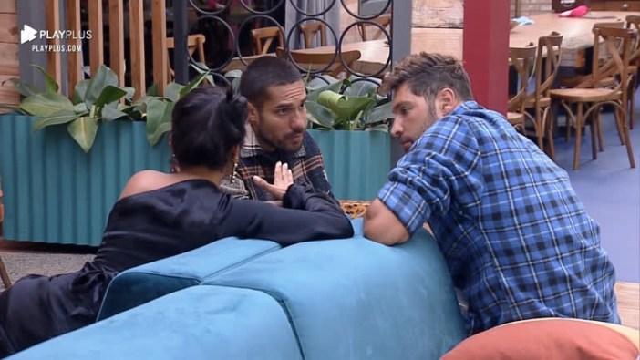 Mileide, Bil e Victor falando sobre Dayane Mello e Aline (Foto: Reprodução)