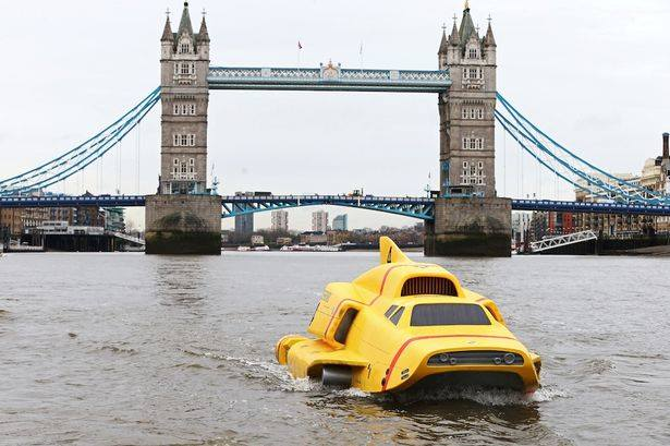 Thunderbird 4 on the Thames