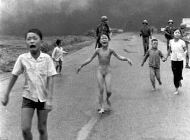 0003189e00000258-3222657-this_photo_taken_by_vietnamese_born_war_photographer_nick_ut_in_-m-85_1441386299221