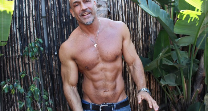 How to get a muscular body after 40? 1