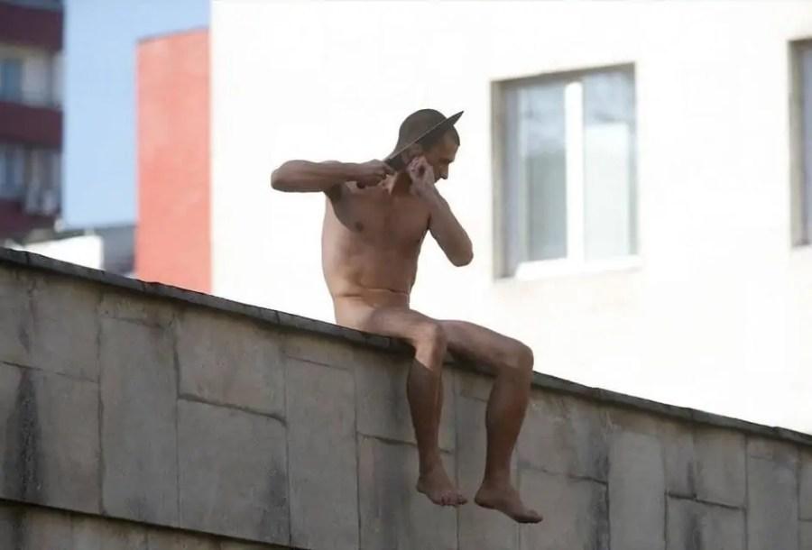 """Petr Pavlenskij, """"Trennung"""", Quelle: Petr Pavlenskij"""