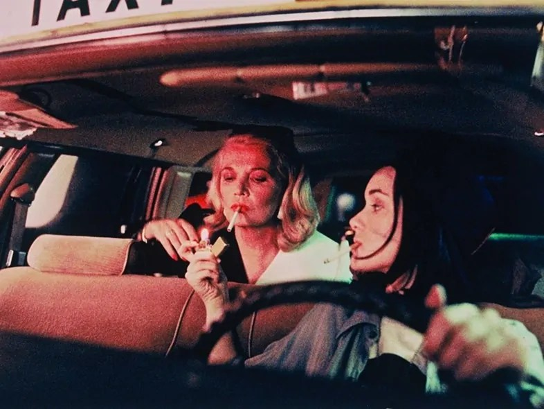 "Wiona Ryder gibt Gena Rowland Feuer, nachts im Taxi: ""Night on Earth"" (1991)"