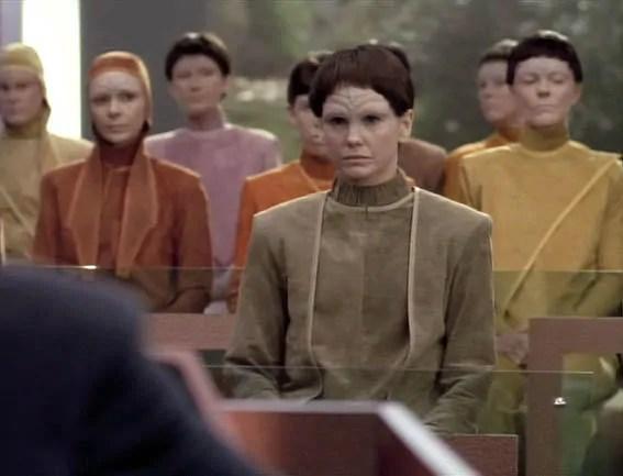 """Still aus """"Star Trek: The Next Generation"""", die J'naii – eine androgyne humanoide Rasse. Quelle: www.wheelercentre.com"""