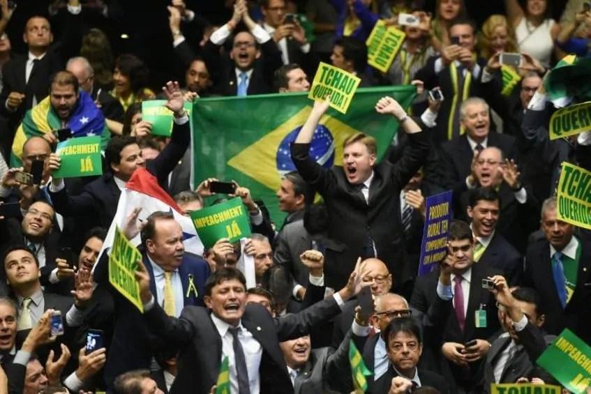 Das brasilianische Parlament vor der Abstimmung über die Amtsenthebung Rousseffs; Quelle: freenet.de