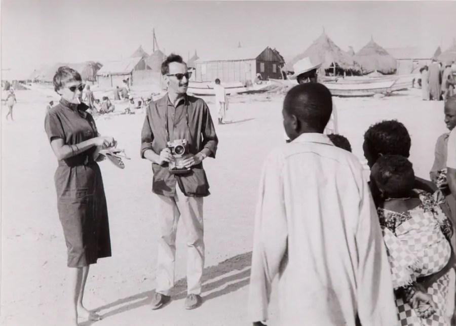Goldy und Paul Parin in Mali, ca. 1960; Foto: Fritz Morgenthaler