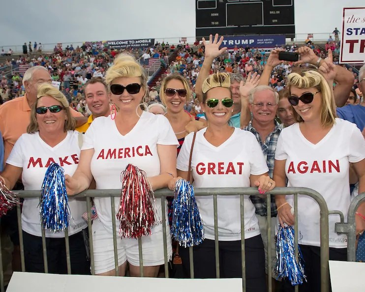 Trump-Supporterinnen in Mobile, Alabama, 21. August 2015; Quelle: snopes.com