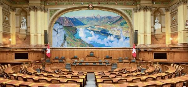 """""""Zwingendes Völkerrecht"""" als Grenze von demokratischen Entscheiden gerät in der Schweiz unter Druck"""