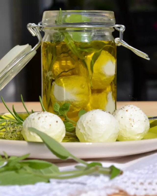 Frischkäse aus griechischem Joghurt