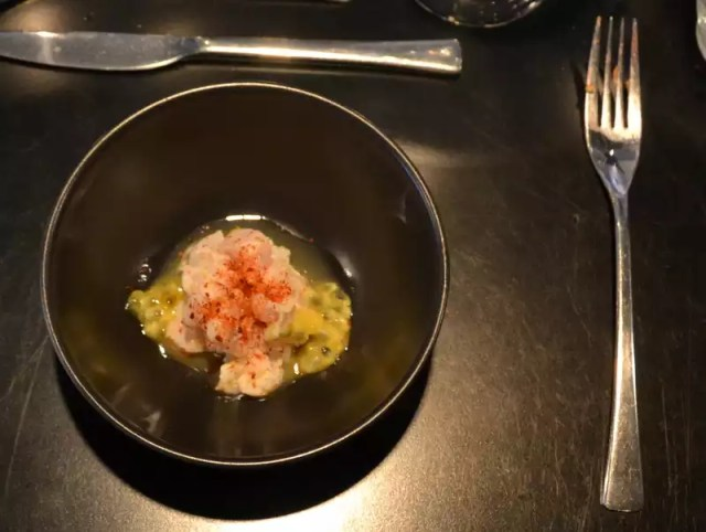 Kablejau mit Gurke Passionsfrucht und Shiso