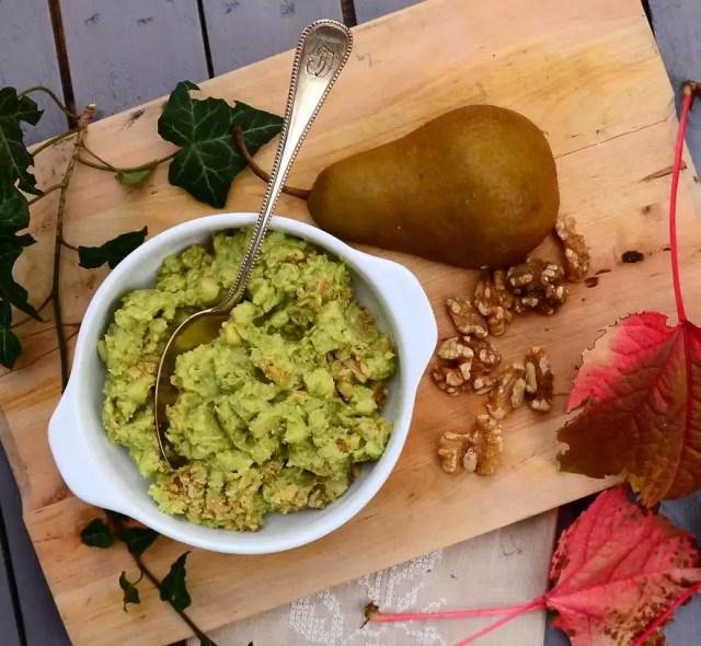 Aufstrich aus Avocado und Birne