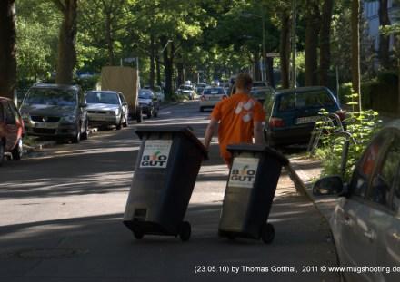 Müllabfuhr in Berlin-Lankwitz - BioMüll