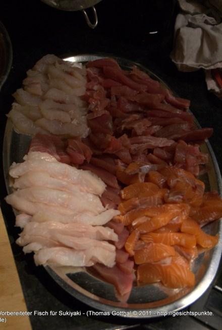 Vorbereiteter Fisch für Sukiyaki