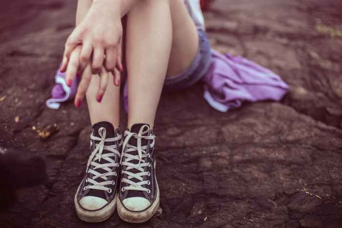 converse all star fashion foot girl