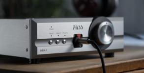 HPA-1_headphones_2_LS