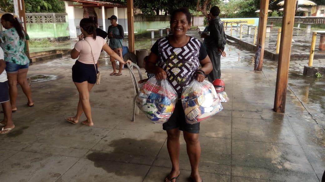 AABB-Sapé e Cedams distribuem 150 cestas básicas na segunda campanha de ajuda a famílias carentes